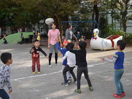 本郷高校はラグビーが強いんです! 幼稚園でも男の子はラグビー大好き(年長)